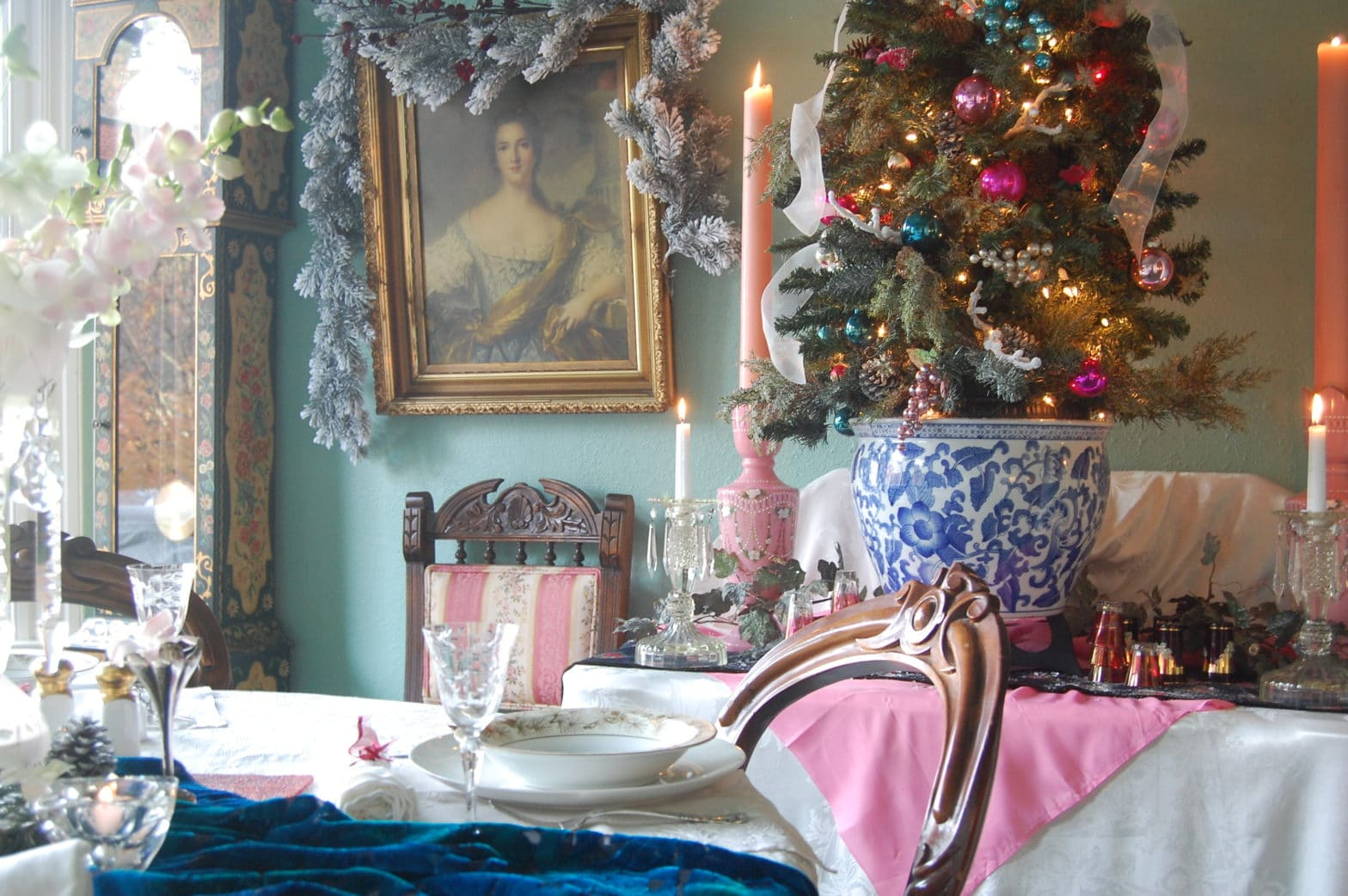gorgeous Victorian-inspired Christmas decorations