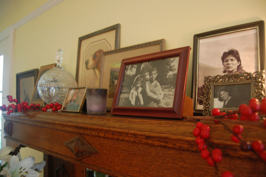 Holiday Mantel Accessories
