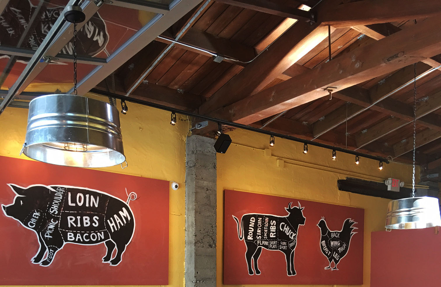 Custom made signage and lighting at Russell St BBQ